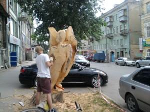 Работа с деревом на улице