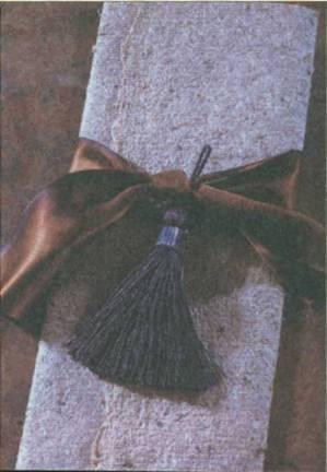 Бисер.  Техника плетения из бисера на проволке. стеклярус 5, подходящий по цвету к кисточке (22 шт...