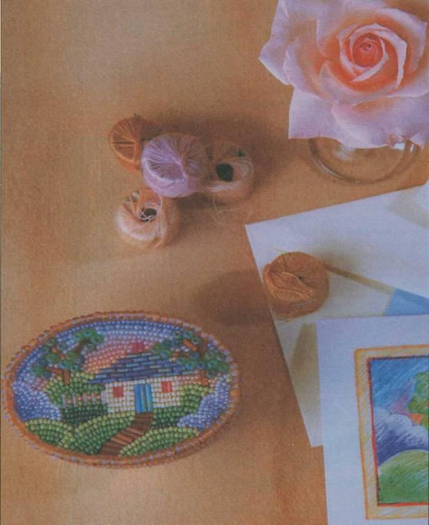 Чтобы на шкатулке выполнить картину из бисера на клею вам понадобится.  Бисер. стеклярус 2: матовый лиловый и лиловый...